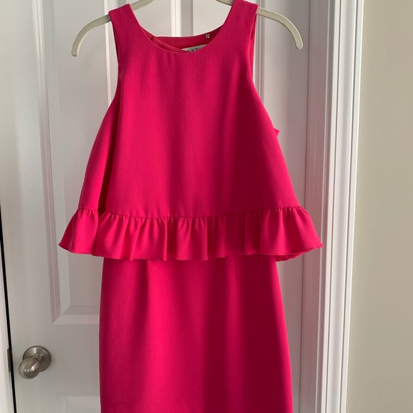 Trina Turk Dresses & Skirts - Trina Turk Hot Pink Dress